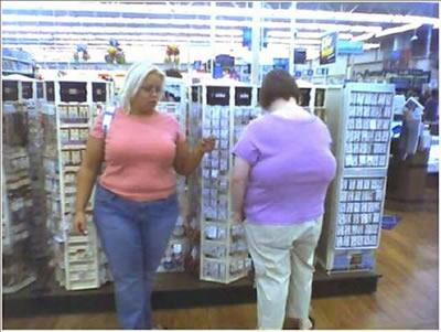 背中に「おっぱい」がある女性
