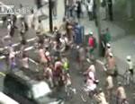 バンクーバー 裸で自転車に乗って