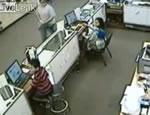 携帯ショップ強盗