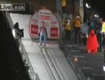 スキージャンプ アクシデント映像