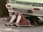 どっきりカメラ ミニスカ姉ちゃんの車修理