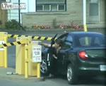 駐車料金支払い後の悲劇