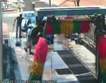 洗車中のアクシデント映像