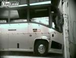 バス クラッシュテスト