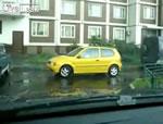 黄色い車の運転手さん・・・