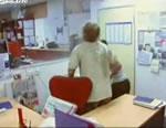 オーストラリア ブリズベーンで起きたニュース編集室の雨漏り