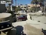 戦車で車を潰す イラク