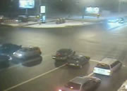 激しい交差点事故