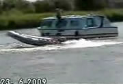 ゴムボートの暴走