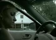 車に悪戯を仕掛けた彼氏に仕返しをする彼女