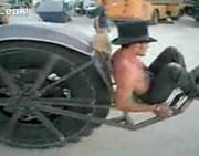 ユニークな一輪バイク