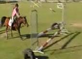 乗馬 障害物走でハプニング