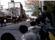 オークランドで行われたおっぱいパレード