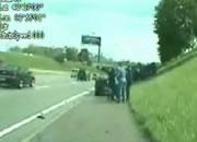 警官がハイウェイで取り締まり中に起きたハプニング