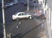 歩道の通行人を巻き込む事故