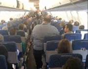 飛行機の座席一人分じゃ無理がありすぎる超肥満
