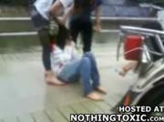 中国 女子学生のいじめ