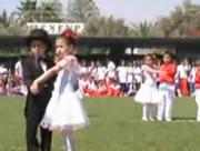 ダンスパートナーを嫌う女の子
