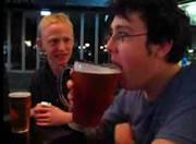 生ビールをイッキ飲み