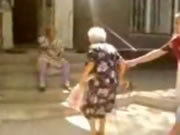 おばあちゃん同士で・・Catfight