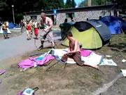 酔っぱらってテントを張れない!