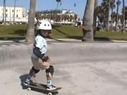 6歳のスケートボーダー