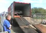 荷台から車降ろし失敗