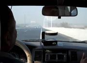 中国 タクシードライバーが逆走