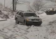 雪道で滑りまくる車映像集