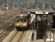 電車から降りる人・・人・・人