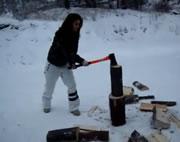 薪割りハプニング