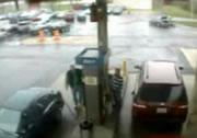 ガソリンスタンド ハプニング