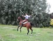 馬に乗ったまま縄跳び