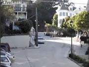 サンフランシスコの坂道を勢いよく下る