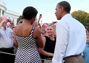 オバマ大統領に抱っこされて泣き止む赤ちゃん