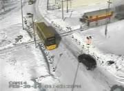 踏切事故 バスに突っ込む機関車