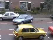縦列駐車が苦手な女性