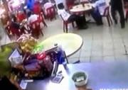 ファーストフード店内で起きた発砲事件