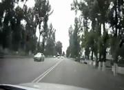 衝突して横転事故