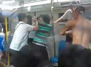 中国 電車内で乱闘