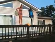 プールに飛び込み失敗