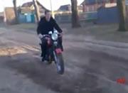 バイクでジャンプ失敗