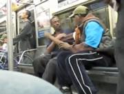 電車の中で酔っぱらい同士の喧嘩