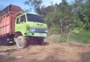トラックの珍しいハプニング