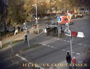 交差点事故 助手席から放り出される