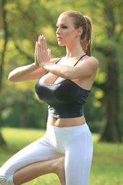 Jordan Carver - Yoga Time