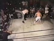 ボクサー vs レフリー