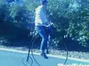ペニー・ファージング型自転車 ハプニング