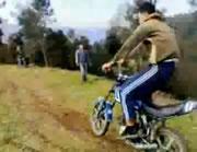 バイクジャンプ アクシデント