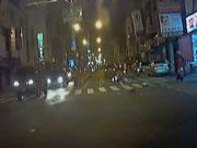 交差点で車とバイクの衝突事故